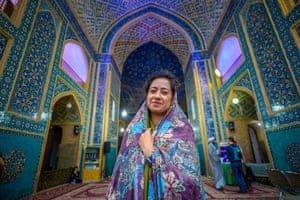 At Jameh Mosque, Yazd, Iran, in her new BBC Four series The Art of Persia.