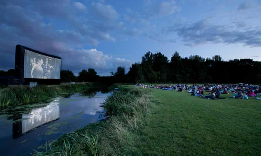 An outdoor screening at Grantchester Meadows.