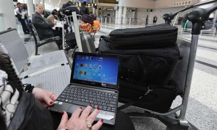 The US and UK have tightened security on on flights from eight countries, banning passengers from carrying laptops and tablet computers.
