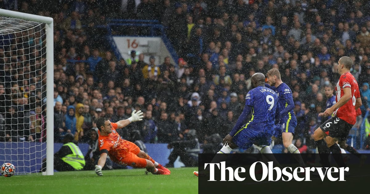 Timo Werner strikes late to grab Chelsea victory over 10-man Southampton