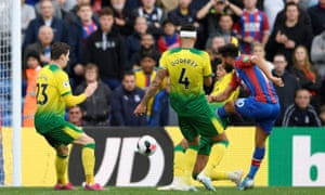 Crystal Palace's Andros Townsend scores their second goal.