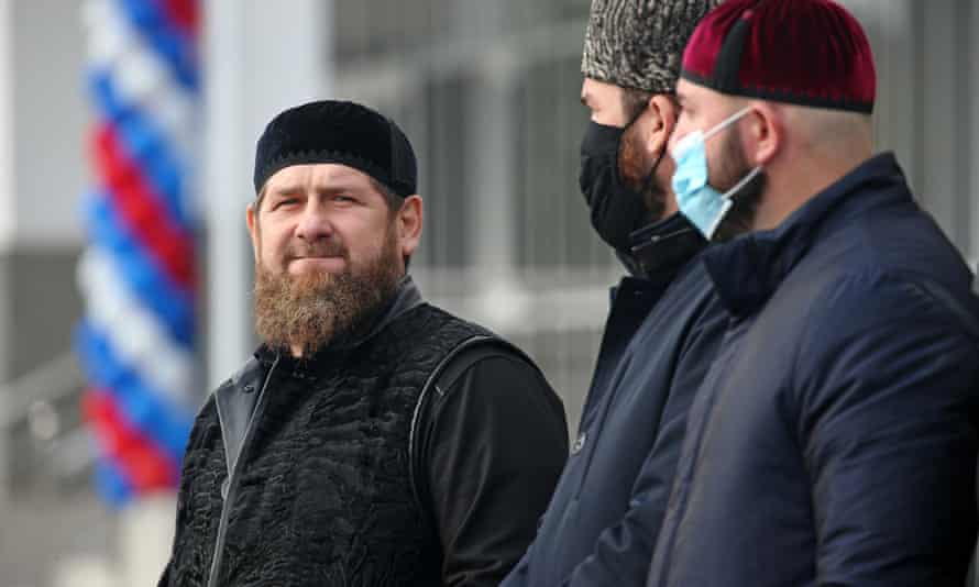 The Chechnyan leader Ramzan Kadyrov (left)