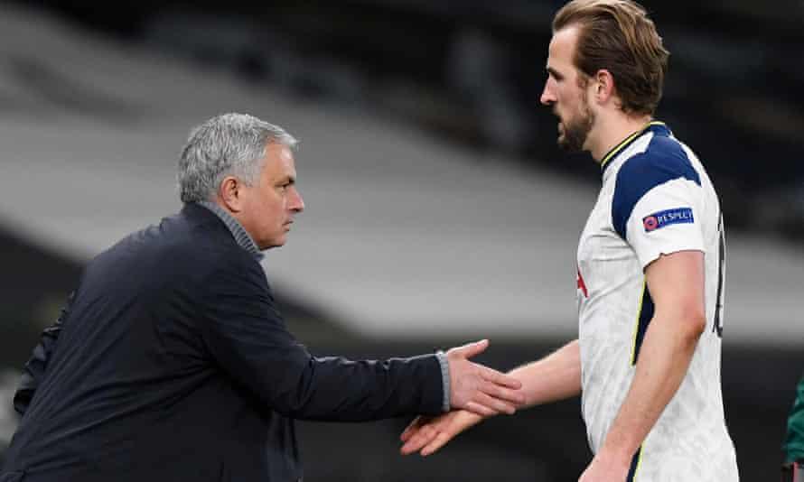 Tottenham's manager, José Mourinho, with Harry Kane. 'He's very professional,' Mourinho said.