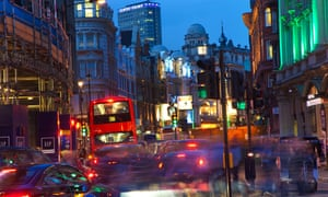 People in London should have been better informed about the dangers to their health during peak pollution periods on more than 100 occasions over the past two and a half years, says London's mayor.
