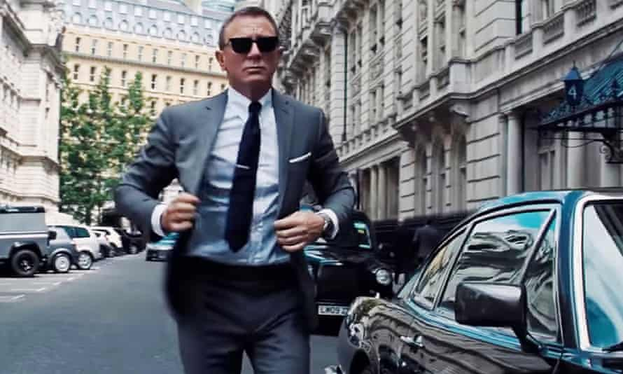 Absolute beast': critics go wild for No Time to Die, Daniel Craig's last  Bond film | No Time To Die | The Guardian