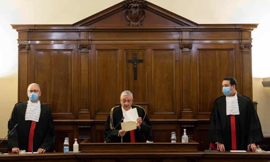 The first hearing of the trial of Angelo Caloia in 2018.