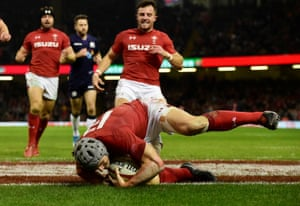 Jonathan Davies goes over to put Wales in command.