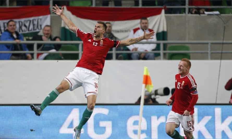 Tamas Priskin, left, celebrates scoring Hungary's opening goal of the second leg against Norway.