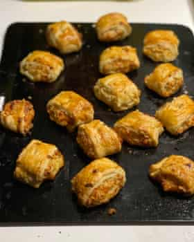 Delia Smith's veg sausage rolls rely on cheddar, flavoured with grated onion, chopped herbs, soft breadcrumbs and cream.