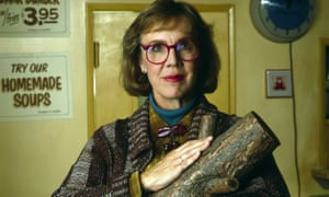 The Log Lady (Catherine Coulson) pioneered a retro geek chic.