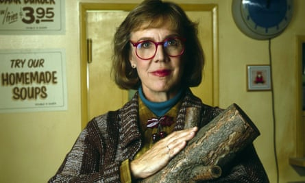 The Log Lady (Catherine Coulson) pioneered retro geek chic.