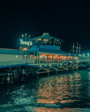 Tony's  in Los Angeles by photographer Franck Bohbot.
