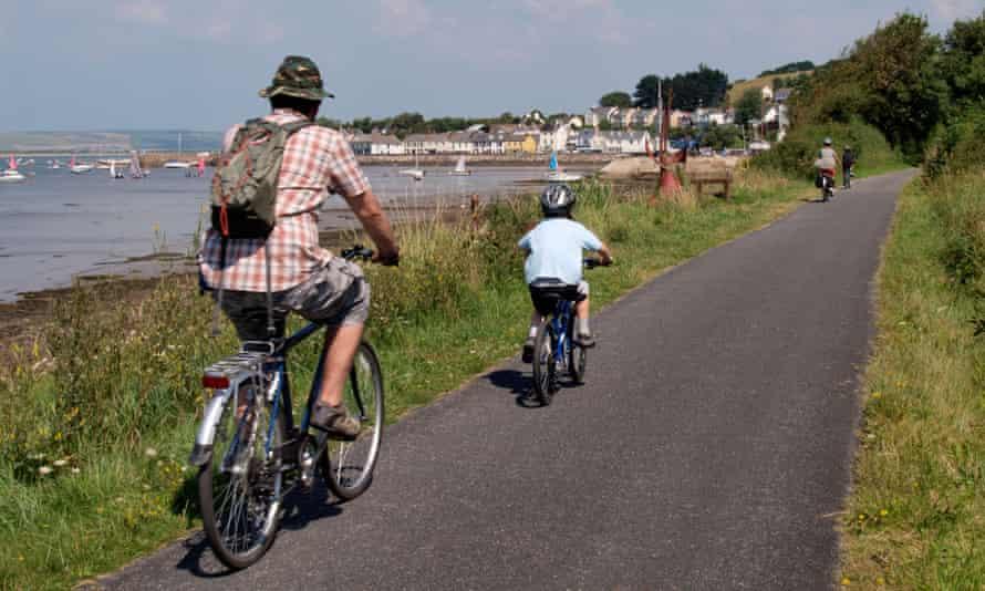 Family cycling along the Tarka Trail