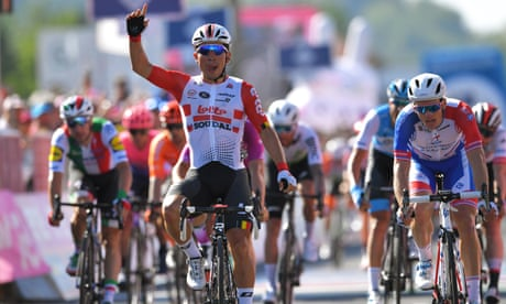 Caleb Ewan sprints to victory once again on stage 11 of Giro d'Italia