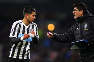 November 26: Ayoze Perez of Newcastle United is passed a note by Mikel Antia, assistant head coach, against Burnley at Turf Moor.
