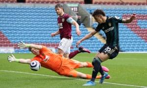 Rodrigo scores the fourth goal for Leeds.