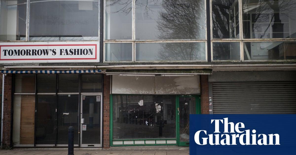 Thousands of UK shops left empty as high street crisis deepens