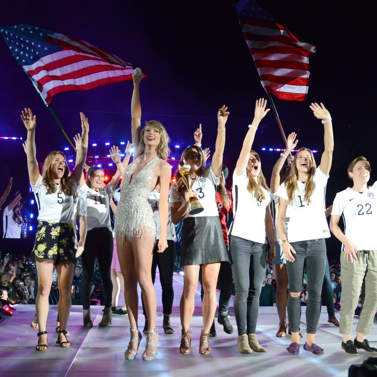Taylor Swift Is A Us Women S Soccer Team Super Fan At New Jersey Concert Taylor Swift The Guardian
