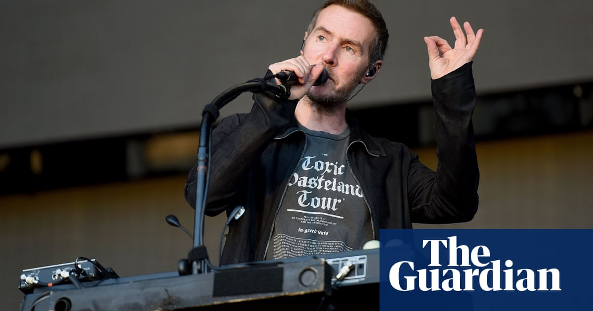 Massive Attack call for government plan to cut live music's carbon emissions