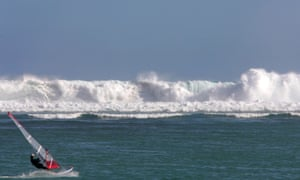 A wave breaking off the coast of Réunion