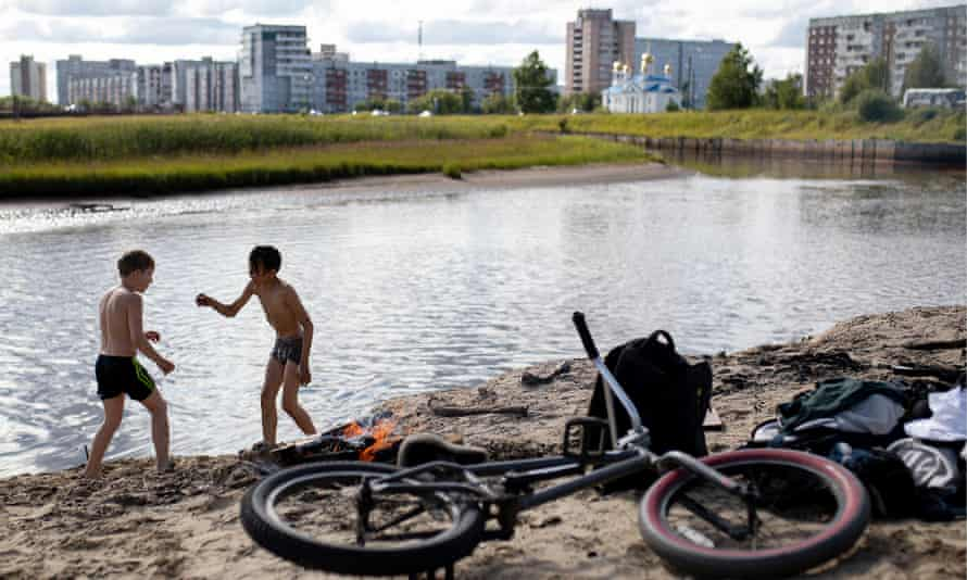 Boys by the Kudma River, Severodvinsk, where gamma radiation rose up to 16 times following the blast.
