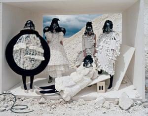 Tim Walker ‐ Forces of Fashion (Comme des Garçons), September 2015