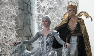 Emily Blunt and Charlize Theron in The Hunstman: Winter's War
