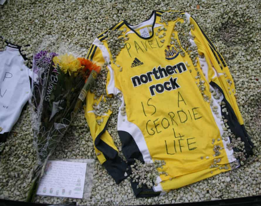"""""""Pavel is a Geordie for Life"""" written on goalkeeper shirt which was left at the Alder Sweeney memorial site."""
