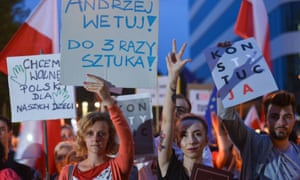 Protests in Kraków on Monday night urged the president not to sign the third law.