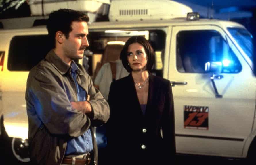 David Arquette and Courteney Cox in Scream 2 (1997).