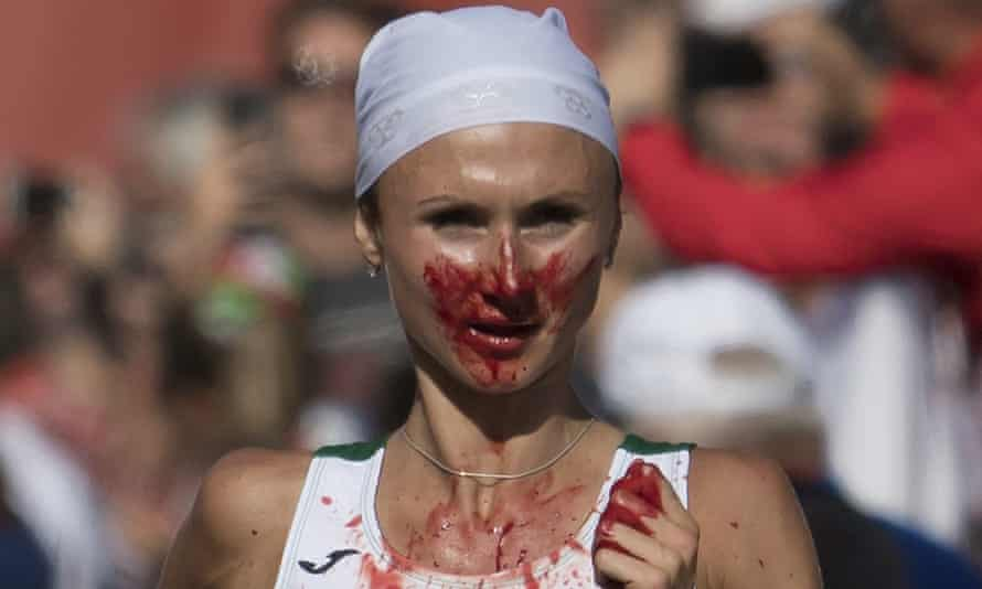 Volha Mazuronak finished six seconds clear of France's Clemence Calvin to win gold for Belarus in the European Championship women's marathon.