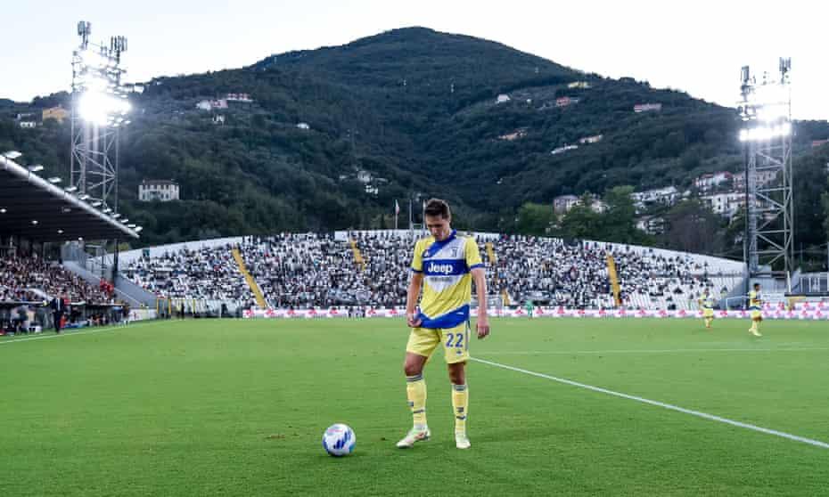 Allegri's anger fades as Chiesa leads Juventus through Spezia six-pointer |  Juventus | The Guardian