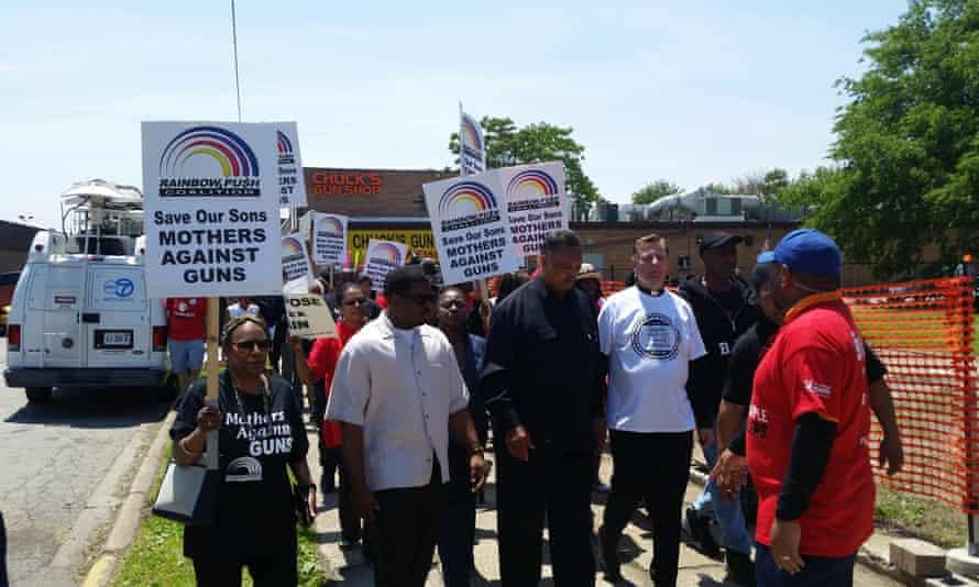 Chiraq protest Chuck's Gun Shop in Chicago