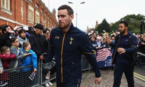 Vincent Janssen and Mousa Dembélé of Tottenham Hotspur arrive for the FA Cup tie at Fulham.