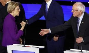 Elizabeth Warren declined a handshake from Bernie Sanders.