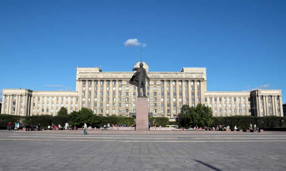 The Lenin statue in front of the House of Soviets, St Petersburg.