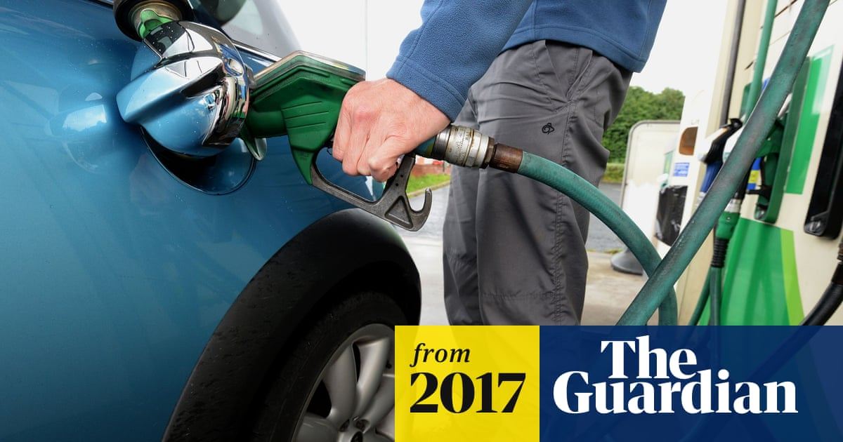 Asda and Morrisons cut petrol prices as oil price plummets