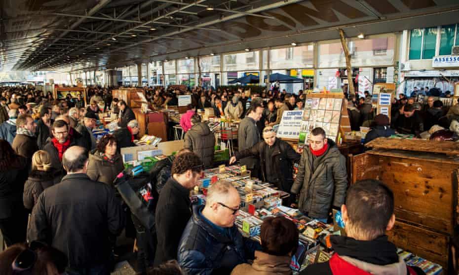 A Sunday market in Barcelona