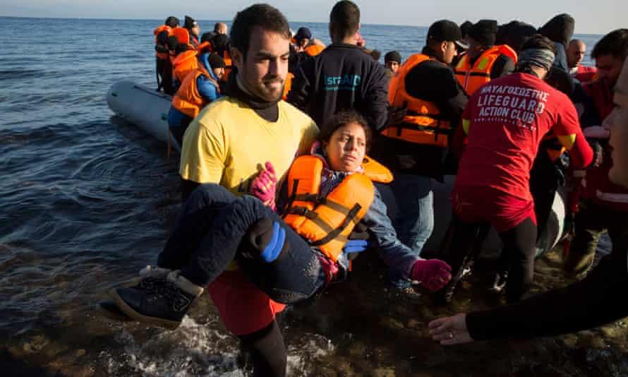 Refugees come ashore at Eftalou, Lesbos