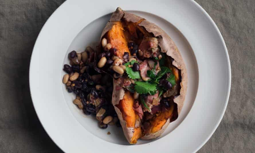 Sweet potato with bacon and black beans