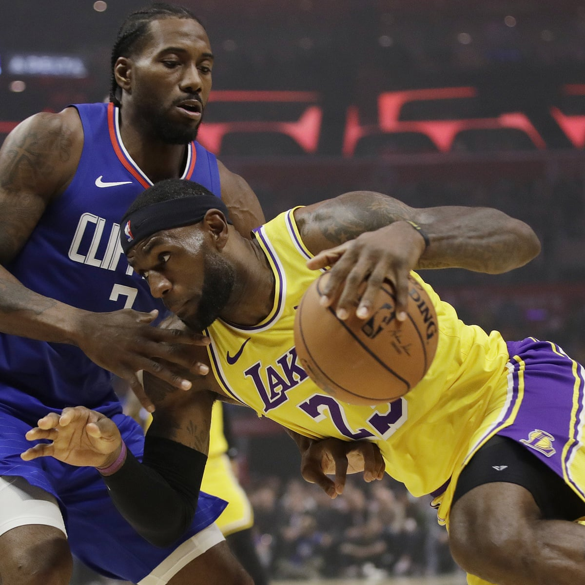 Kawhi Leonard Leads Clippers To Win Over Lebron James S Lakers In Battle Of La Sport The Guardian