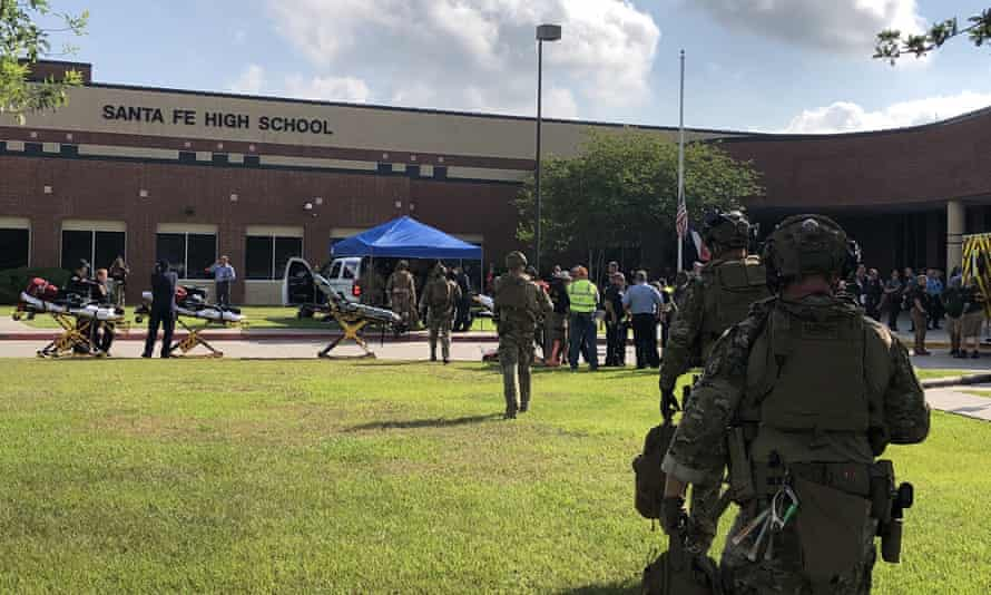 Sheriff's deputies deploy at Santa Fe high school.