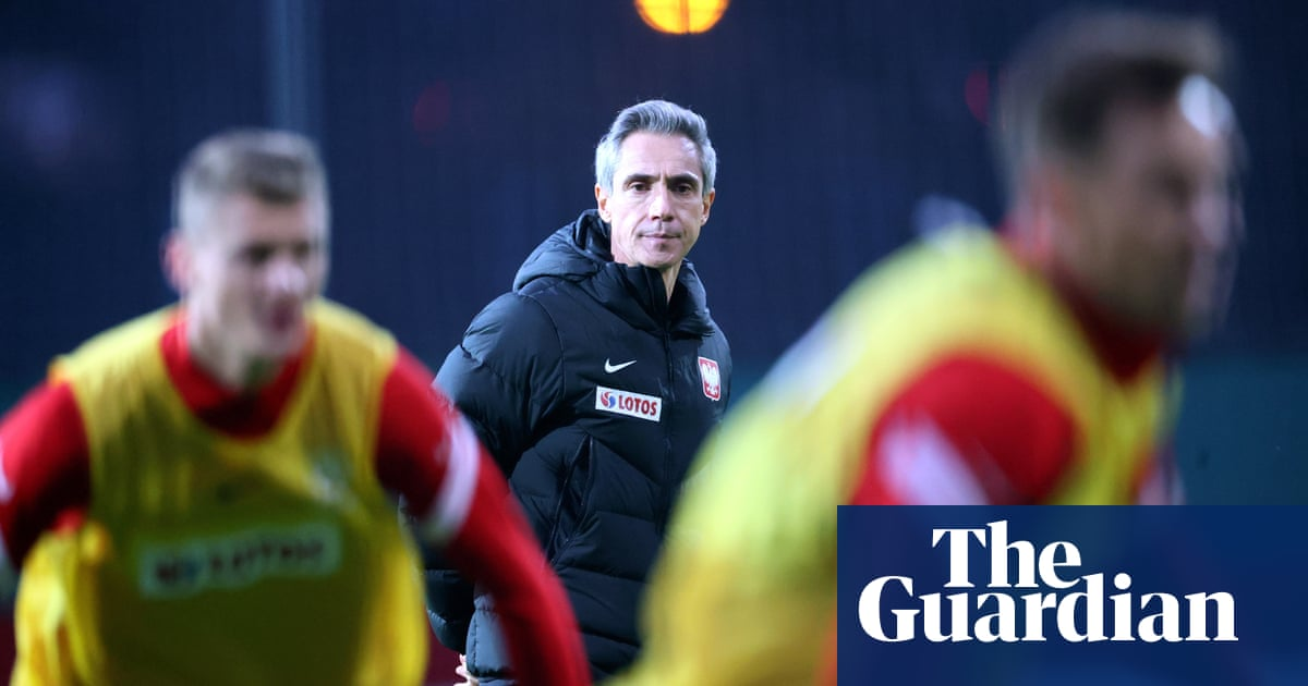 Paulo Sousa: 'Poland's great players are strikers – we must feed them'