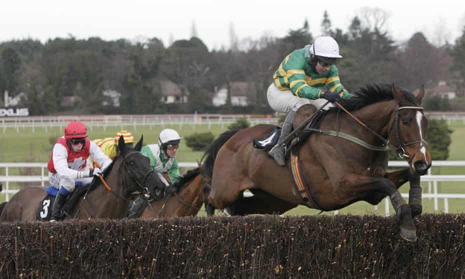 Kempes, ridden by David Casey, on the way to Irish Gold Cup glory at Leopardstown in 2011.