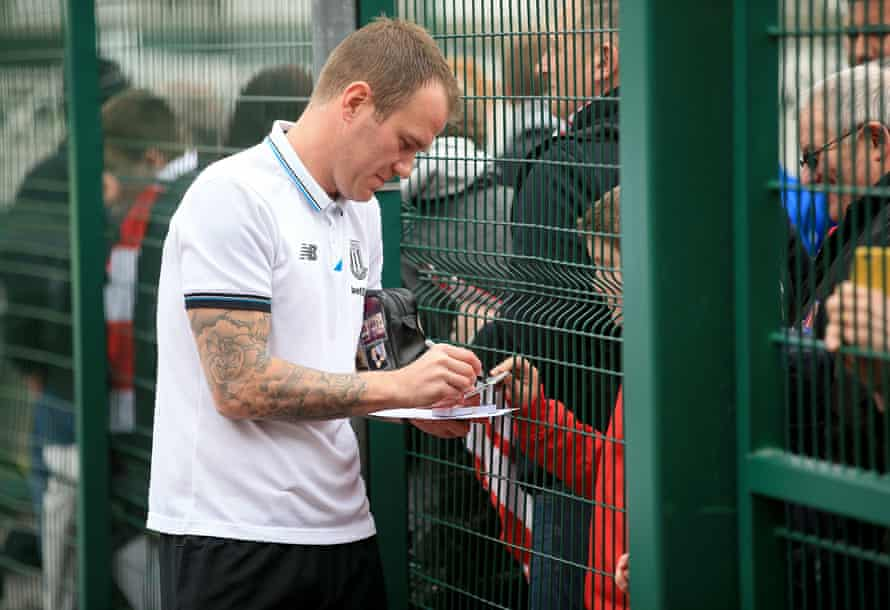 Glenn Whelan and an adoring public that deserves to be greater.