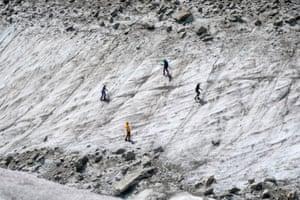 Climbers train on the Mer de Glace