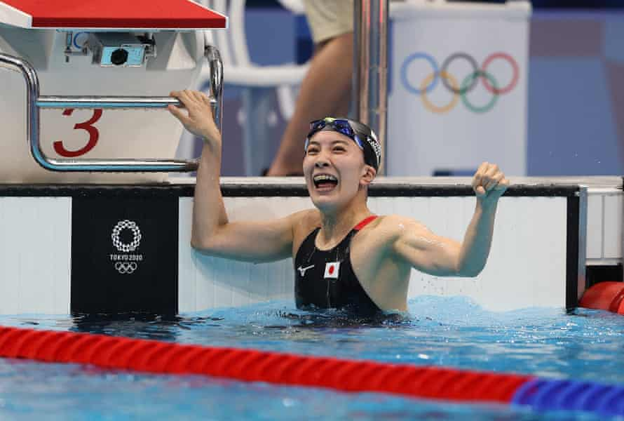 Yui Ohashi of Japan celebrates her gold in the pool.