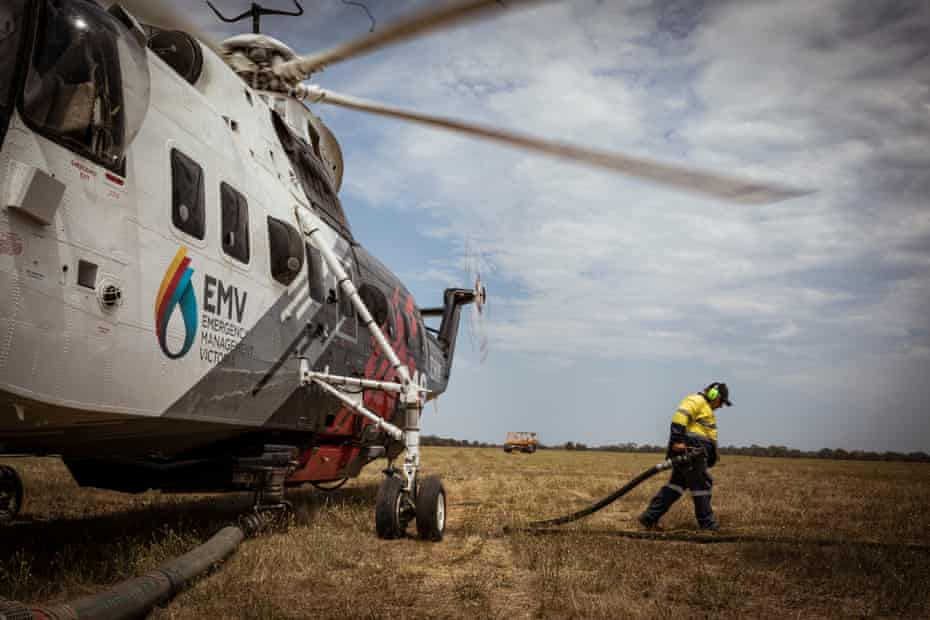 Aircrews refuel at Bairnsdale before heading back to the firegrounds