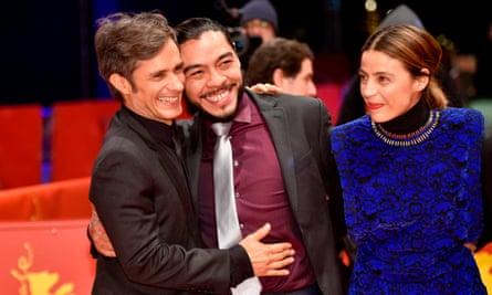 "Mexican rave… Gael García Bernal, Bernardo Velasco and Ilse Salas at the Berlin premiere Alonso Ruizpalacios's film Museum: 'a gem""."