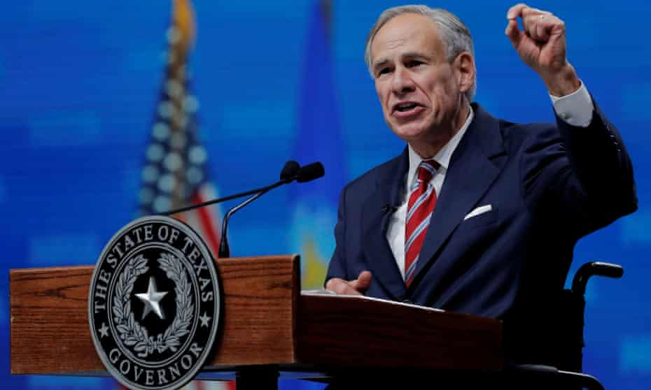Greg Abbott speaks at the NRA convention in Dallas in 2018.